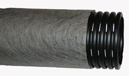 Труба перфорированная дренажная гофрированная 110 в фильтре с геотканью