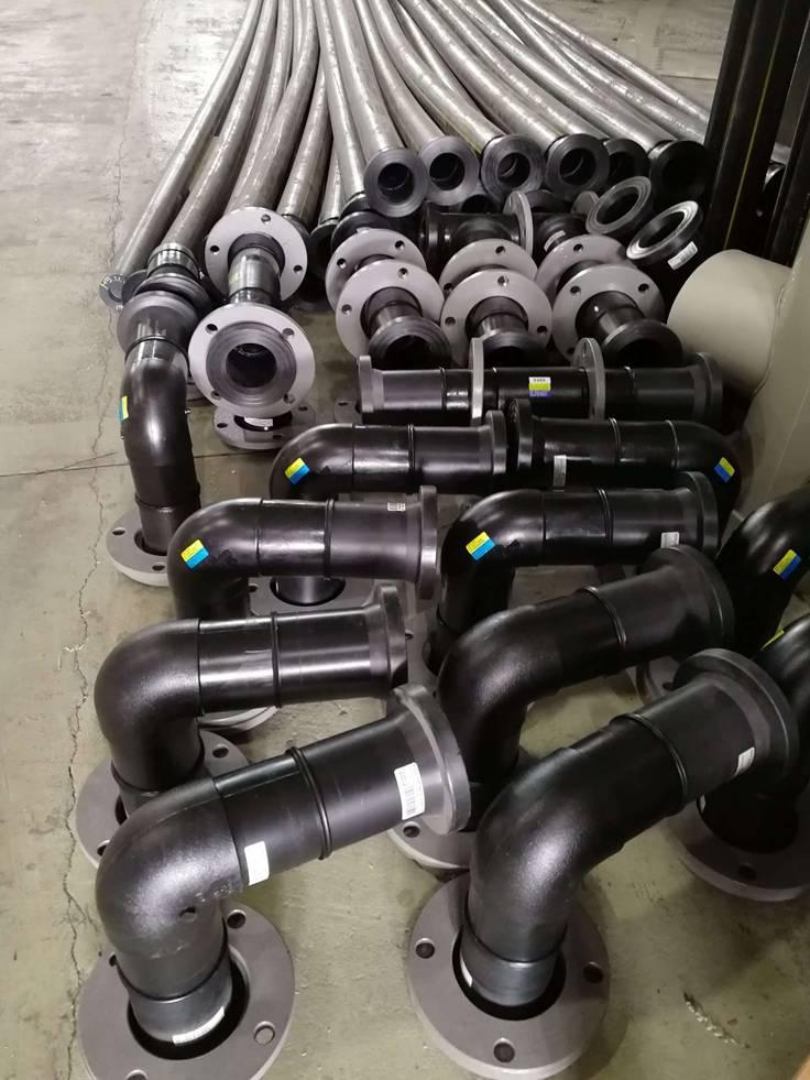 Трубы для перекачки воды из емкостей